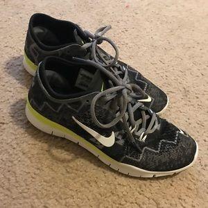 Nike Women's Tennis Shoes Size 6.5